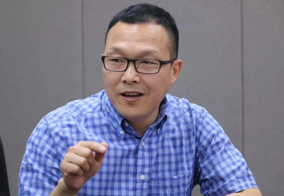 余杭区未来科技城招商局副局长屈永辉
