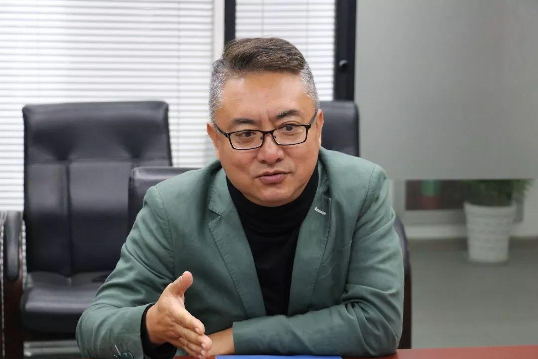 一扇门副总裁闫长斌讲话